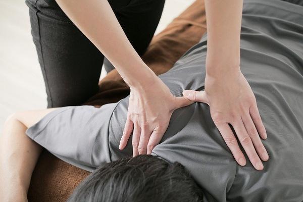 マッサージは肩こりに効果ある?