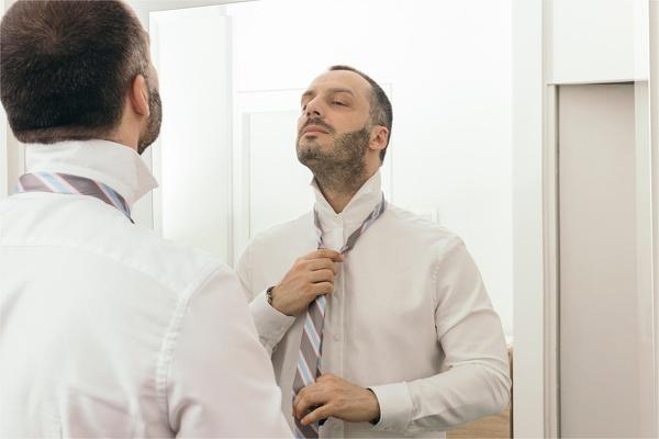 体調を管理する男性