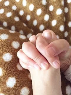 足の指の握りしめ方